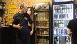 В Уссурийске полицейские провели ночной рейд по торговым точкам, реализующим алкоголь