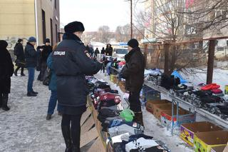 В Уссурийске с места стихийного рынка в районе улицы Чичерина вывезено три грузовика мусора