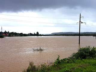 Интенсивный спад воды продолжается на реке Раздольная