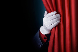В Уссурийск приедут известные актеры театра, кино и эстрады