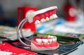 Жительница Приморья отсудила у стоматологии деньги за плохое лечение