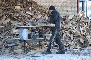 Жителей Уссурийска обеспечат дровами по льготной цене