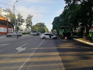 Сотрудники полиции разыскали водителя, скрывшегося после ДТП с асфальтоукладчиком в Уссурийске