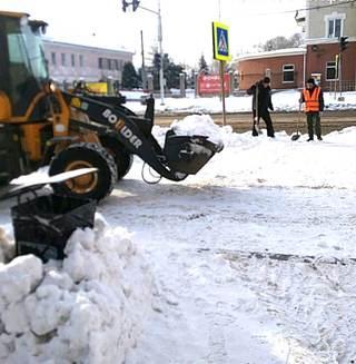 Более 10 тысяч кубометров снега вывезено на снежный полигон Уссурийска
