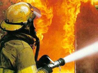 Крупный пожар произошел на локомотиворемонтном заводе в Уссурийске