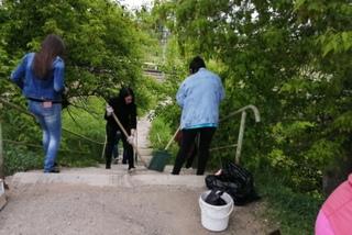 Местные жители провели субботник на Сахпоселке